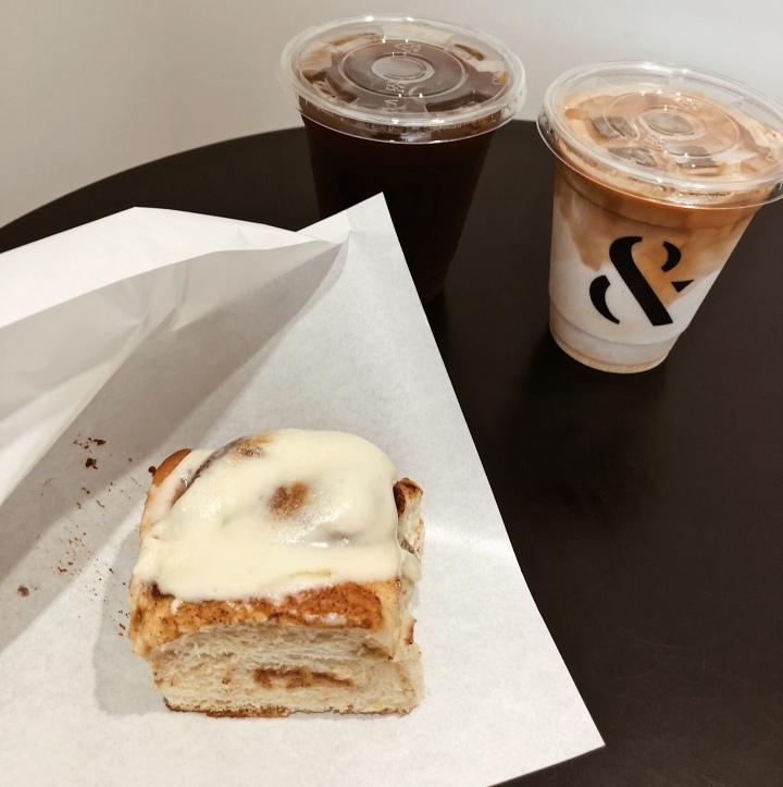 FOMO Coffee 肉桂捲